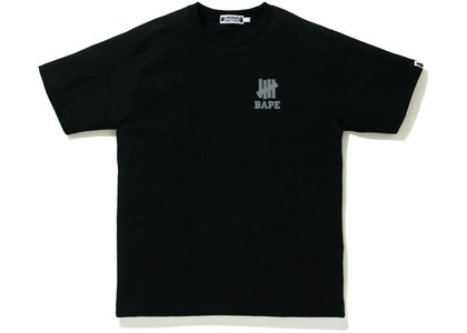 Bape x Undefeated Ape Head Tee Black (FW20)の写真