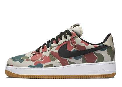 Nike Air Force 1 Low Reflective Duck Camo の写真
