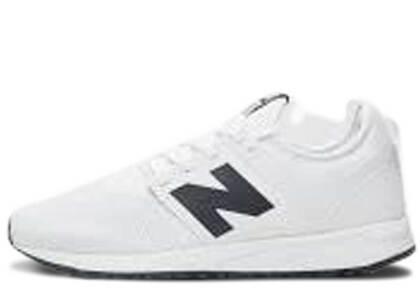 New Balance 247 Classic White Blackの写真