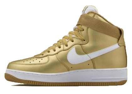 Nike Air Force 1 High Metallic Gold の写真