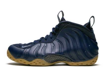 Nike Air Foamposite One Navy Gumの写真