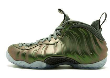 Nike Air Foamposite One Dark Stucco Womens の写真