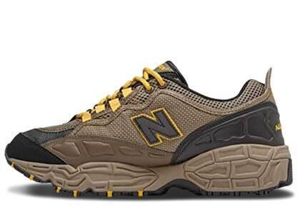 New Balance 801 Brown Yellowの写真