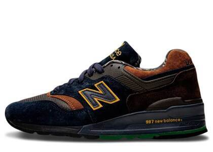 New Balance 997 J. Crew Wild Nature Pack Grizzly Bearの写真