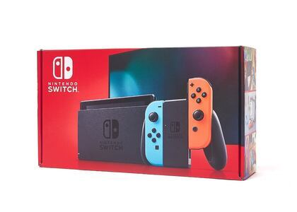 Nintendo Switch ネオンブルー・ネオンレッド (バッテリー持続時間が長くなったモデル)の写真
