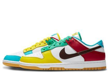 Nike Dunk Low SE Free 99 Whiteの写真