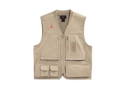 Jordan × Travis Scott Utility Vestの写真