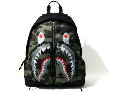 Bape 1st Camo Shark Day Pack Green (SS21)の写真