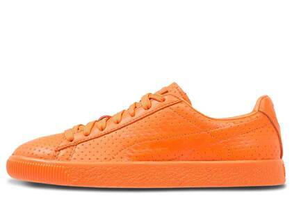 Puma Clyde Perforated Trapstar Golden Poppyの写真