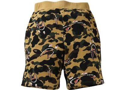 BAPE Shark 1st Camo Wide Sweatshort Yellow (SS21)の写真