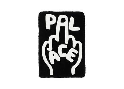 Palace Finger Up Rug Black (SS21)の写真