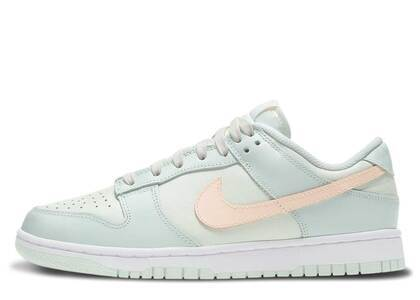 Nike Dunk Low Barely Green Womensの写真