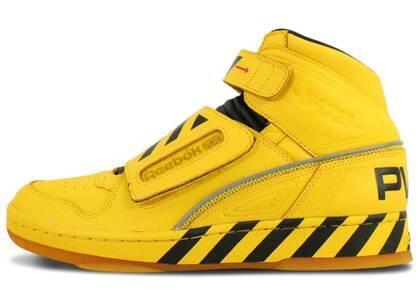 Reebok Alien Stomper Mid Power Loader Yellowの写真