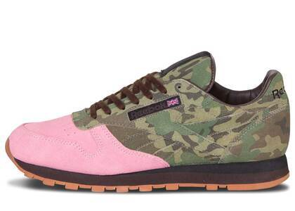 Reebok Classic Leather R12 Shoe Gallery Flamingoes at Warの写真