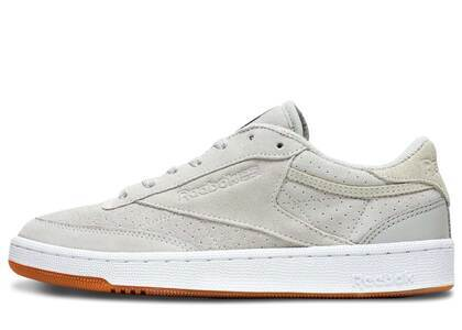 Reebok Club C Extra Butter x Urban Outfittersの写真