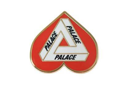 Palace Hearty Pin Badge Red/white (SS21)の写真