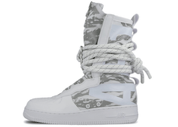 Nike SF Air Force 1 High Winter Camoの写真