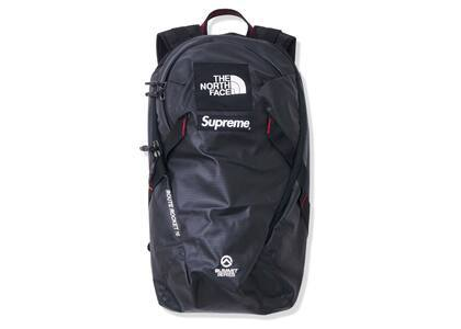 Supreme × The North Face Summit Series Outer Tape Seam Route Rocket Backpack Black (SS21)の写真