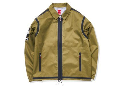 Supreme × The North Face Summit Series Outer Tape Seam Coaches Jacket Khaki (SS21)の写真