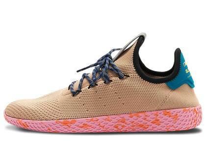 adidas Tennis Hu Pharrell Tanの写真