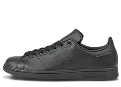 adidas Stan Smith Triple Blackの写真