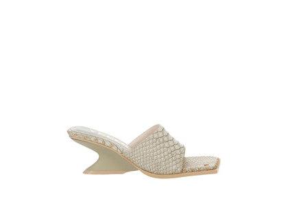 YELLO Haku Low Wedge Sandals Whiteの写真
