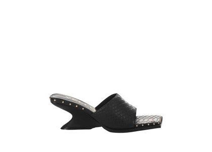 YELLO Draak Low Wedge Sandals Blackの写真
