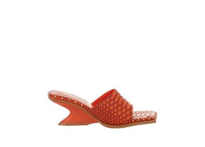 YELLO Echo Low Wedge Sandals Redの写真