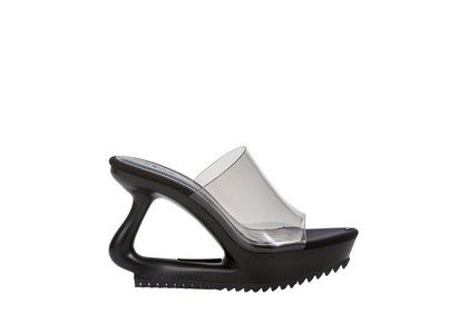 YELLO Tokyo Black Deformed Sandals Blackの写真