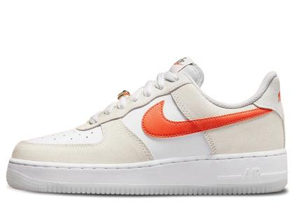 Nike Air Force 1 07 Low Orange Swooshes Womensの写真