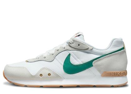 Nike Venture Runner First Useの写真