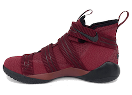 LeBron Zoom Soldier 11 Burgundyの写真