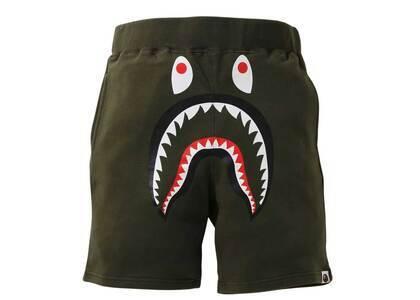 Bape Shark Sweat Shorts Green (SS21)の写真