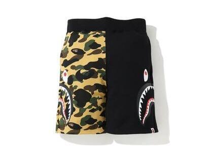 Bape 1st Camo Side Shark Sweatshort Grey/Green (SS20)の写真