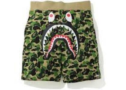 Bape ABC Camo Shark Sweatshort Green (SS20)の写真
