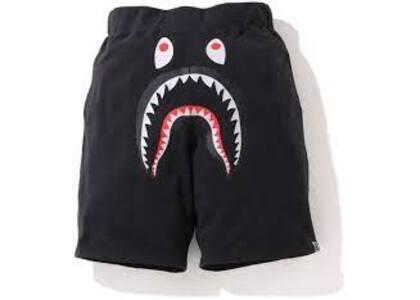 Bape Shark Wide Sweatshort Black (SS20)の写真