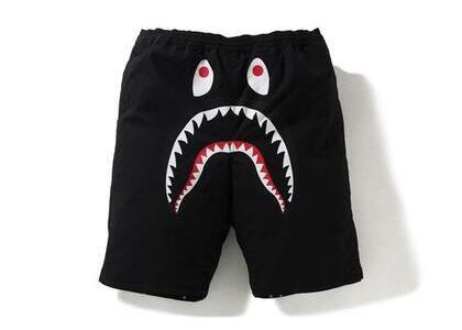 Bape Space Camo Shark Reversible short Black (SS20)の写真