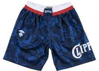 Aape x Mitchell & Ness San Diego Clippers short Navy (SS20)の写真