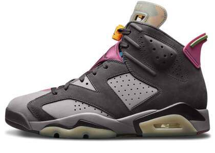 Nike Air Jordan 6 Bordeauxの写真
