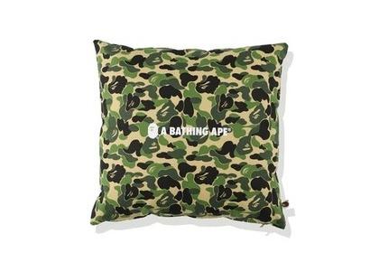 Bape Home ABC Camo A Bathing Ape Square Cushion Green (SS21)の写真