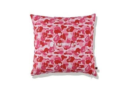 Bape Home ABC Camo A Bathing Ape Square Cushion Pink (SS21)の写真
