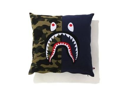 Bape Home 1st Camo Shark Square Cushion Navy (SS21)の写真