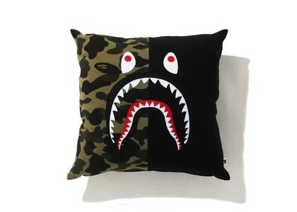 Bape Home 1st Camo Shark Square Cushion Black (SS21)の写真