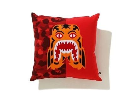 Bape Home Color Camo Tiger Square Cushion Red (SS21)の写真