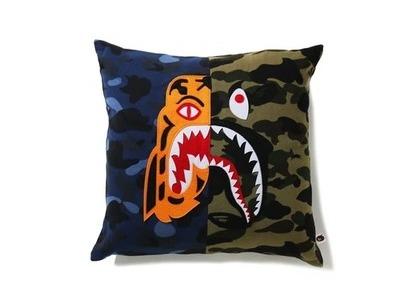 Bape Home Mix Camo Tiger Shark Half Square Cushion Navy (SS21)の写真