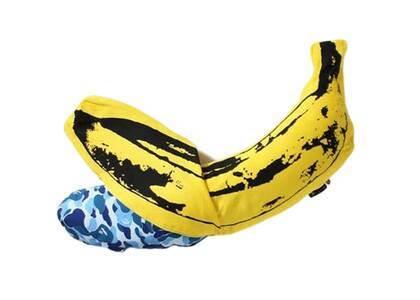 Bape Home × Medicom Toy × Andy Warhol ABC Camo Banana Cushion M Blue (SS21)の写真