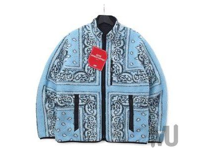 Supreme Reversible Bandana Fleece Jacket Light Blueの写真