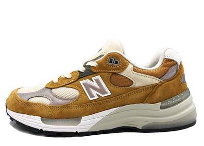 Packer Shoes × New Balance 992の写真