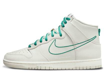 Nike Dunk High First Use White Greenの写真