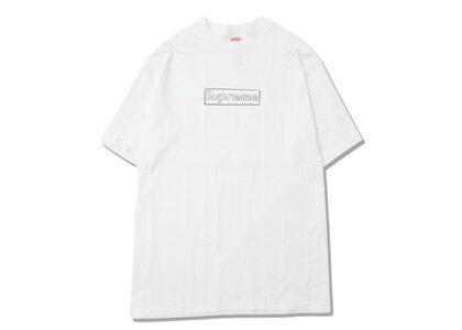 Supreme KAWS Chalk Logo Tee White (SS21)の写真